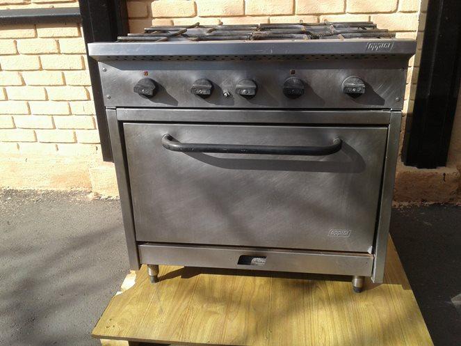 Cocina Industrial 4 Platos con Horno a Gas   Oppici   Usado   A13 –  ChileRemates.cl cdf14f90aa67