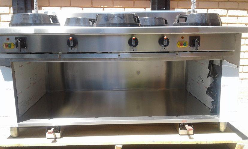 Cocina Industrial   Acero Inoxidable   Casta SRL   Italiana   5 Platos    Usada Precio  3.000.000 + IVA 21172f518595