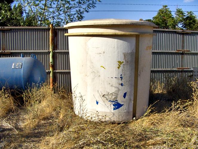 Estanque fibra de vidrio litros aprox di metro 1 for Estanque de agua 5000 litros