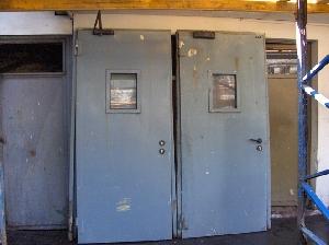 Puertas y ventanas usadas materiales de construcci n Puertas metalicas usadas